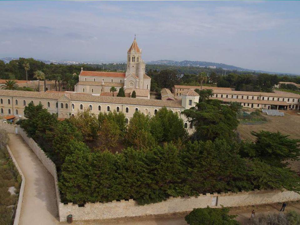L`Église actuelle a été reconstruite vers 1880 sur lemplacement de lancienne.