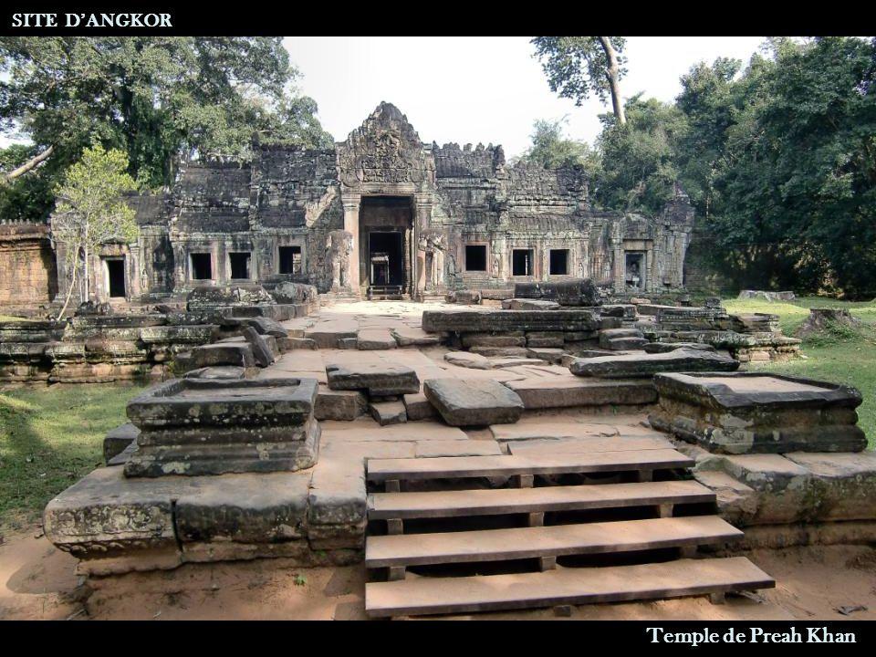 Un Garuda tous les 60 Mètres SITE DANGKOR Temple de Preah Khan