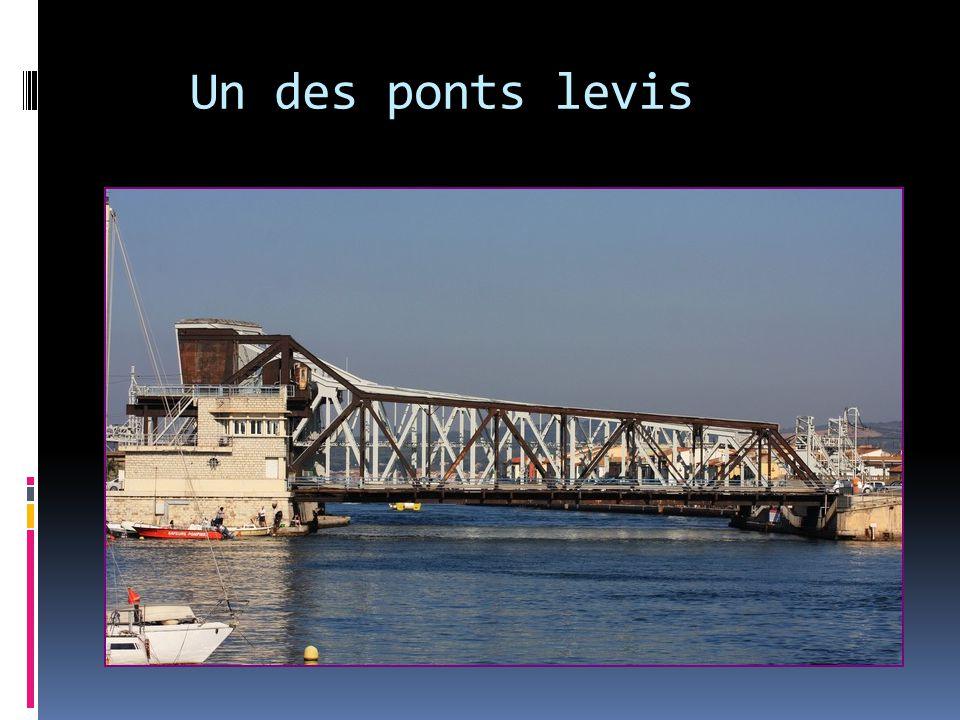 Un des ponts levis