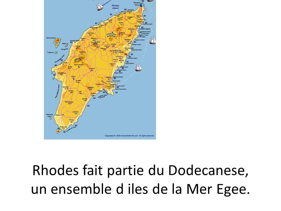 La vieille ville de Rhodes,avec sa forteresse medievale,est consideree comme un des plus importants heritages cuturels du monde.