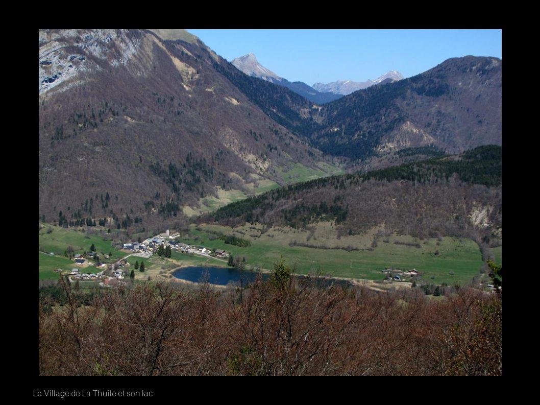 Le Village de La Thuile et son lac