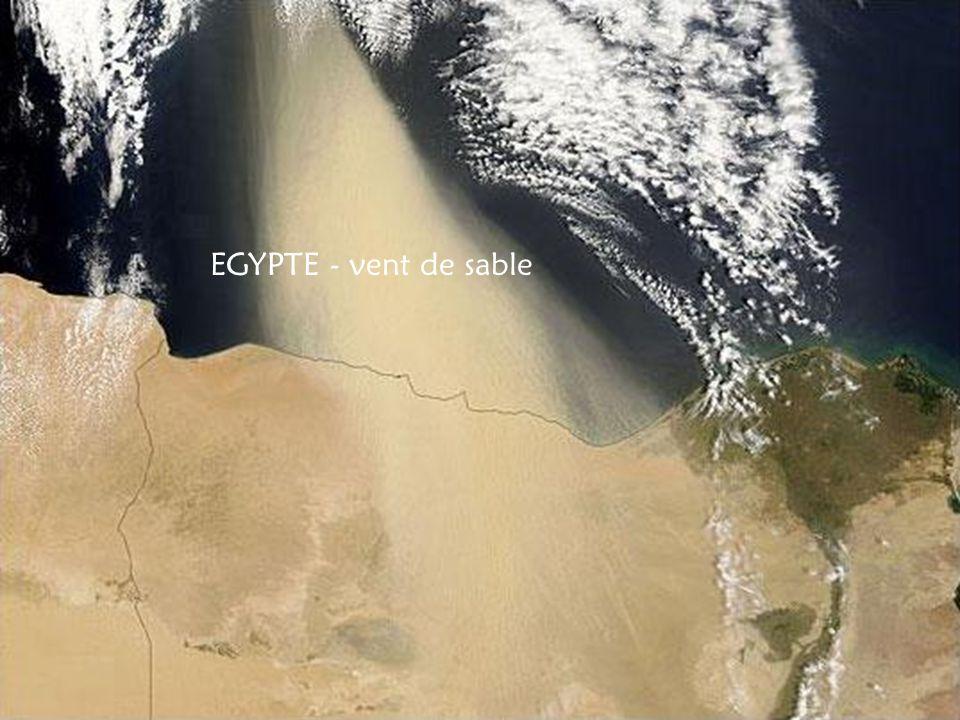 EGYPTE - vent de sable