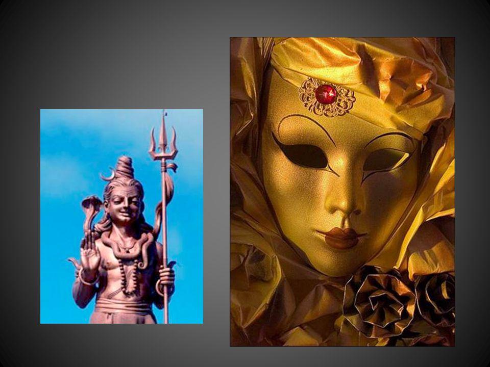 Ce nest pas la « Trinité » mais la multiplicité des différents aspects de Shiva, ou de Vishnou, ou de XXX…recouvrant la réalité des forces immanentes et cosmiques…