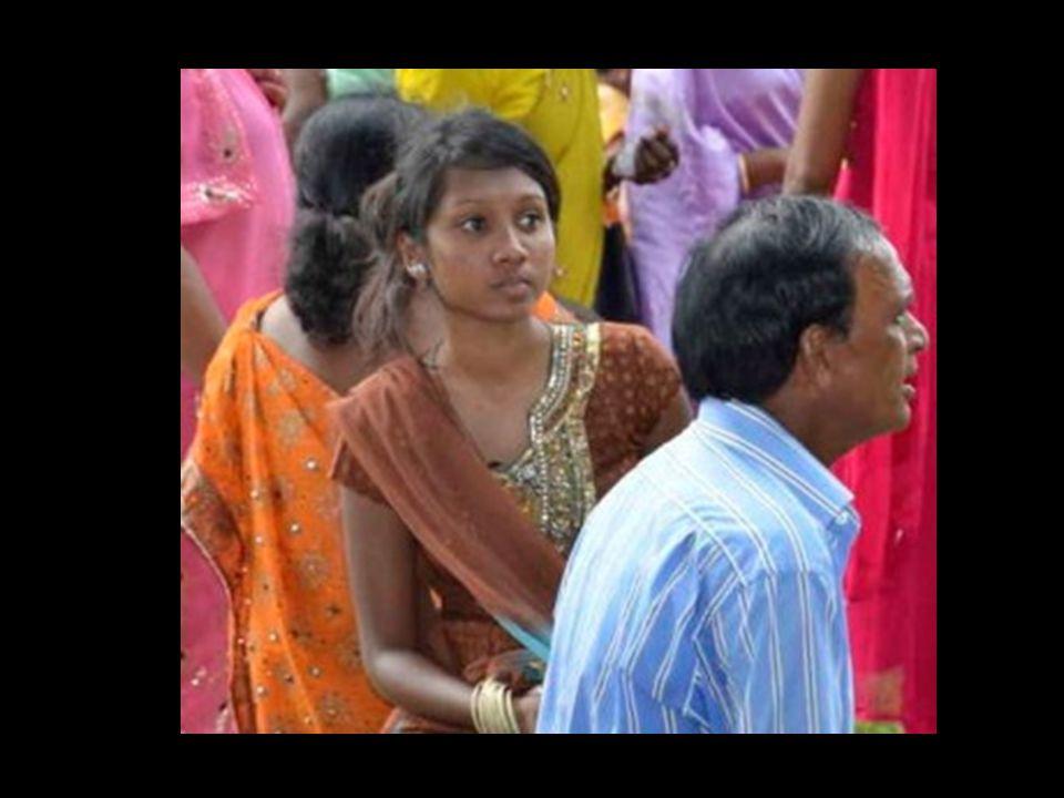 Les Indiens mauriciens, tamouls, malabars ou lascars parlent leur langue dorigine et le créole mauricien