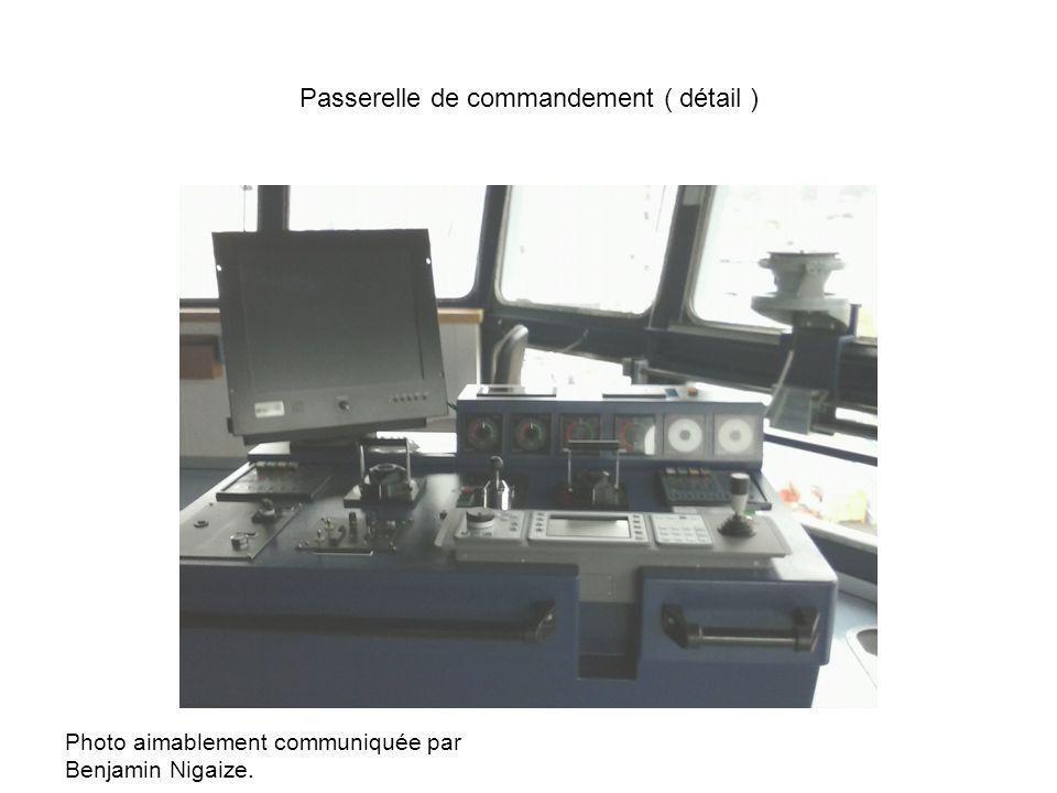Passerelle de commandement ( détail ) Photo aimablement communiquée par Benjamin Nigaize.