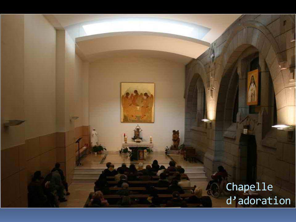 … et vénération des reliques de Ste Faustine.