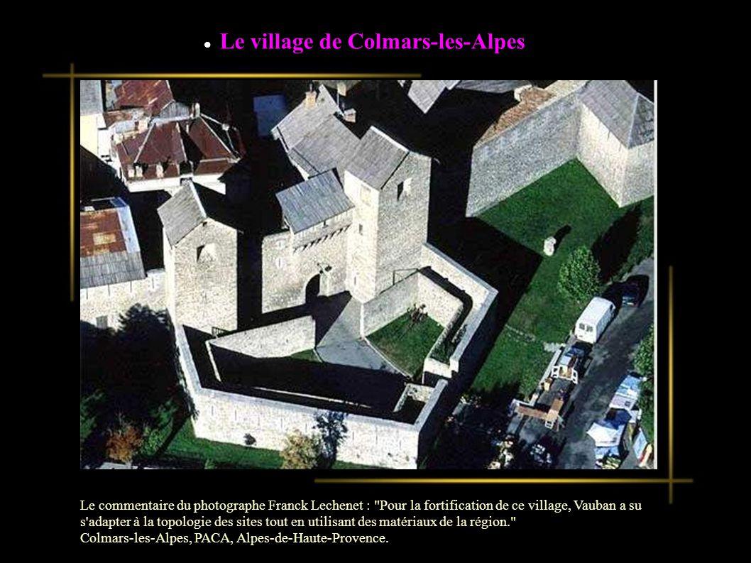 La ville fortifiée de Brouage Le commentaire du photographe Franck Lechenet : Posé dans un ancien marais, Brouage surplombe de quelques mètres cette zone très plane.