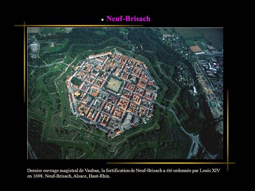 Analyse de coûts Attirez l attention de votre auditoire sur les atouts financiers du produit Comparez le rapport qualité/prix avec celui des produits concurrentiels Dernier ouvrage magistral de Vauban, la fortification de Neuf-Brisach a été ordonnée par Louis XIV en 1698.