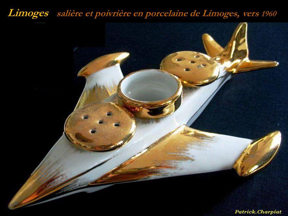 Limoges pot à chocolat en porcelaine de Limoges,. début du XXe siècle