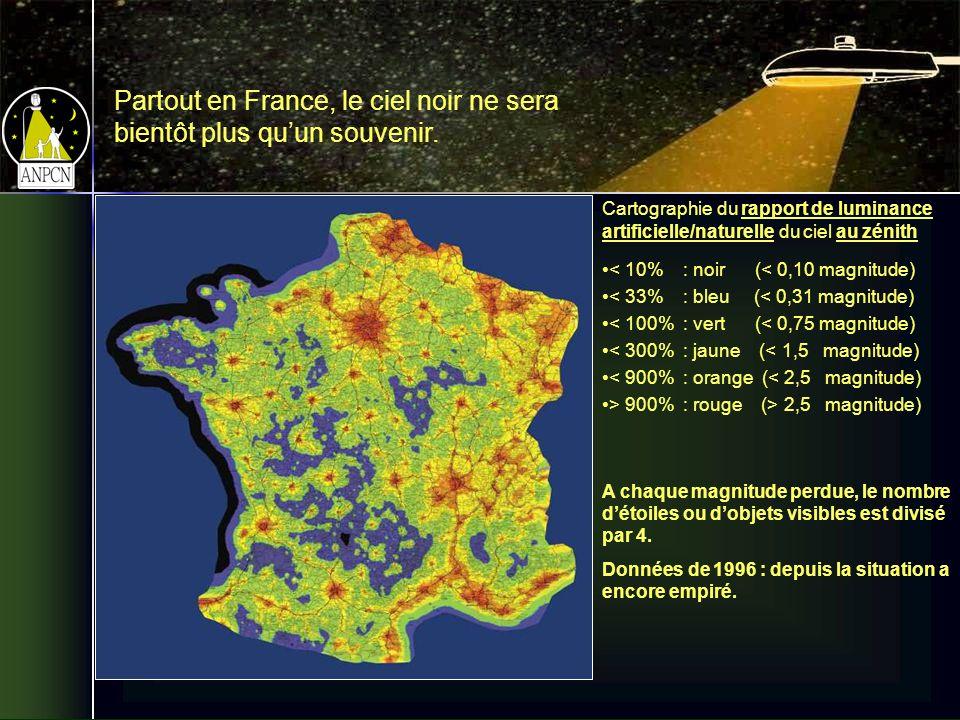 Cartographie du rapport de luminance artificielle/naturelle du ciel au zénith < 10% : noir (< 0,10 magnitude) < 33% : bleu (< 0,31 magnitude) < 100% : vert (< 0,75 magnitude) < 300% : jaune (< 1,5 magnitude) < 900% : orange (< 2,5 magnitude) > 900% : rouge (> 2,5 magnitude) A chaque magnitude perdue, le nombre détoiles ou dobjets visibles est divisé par 4.