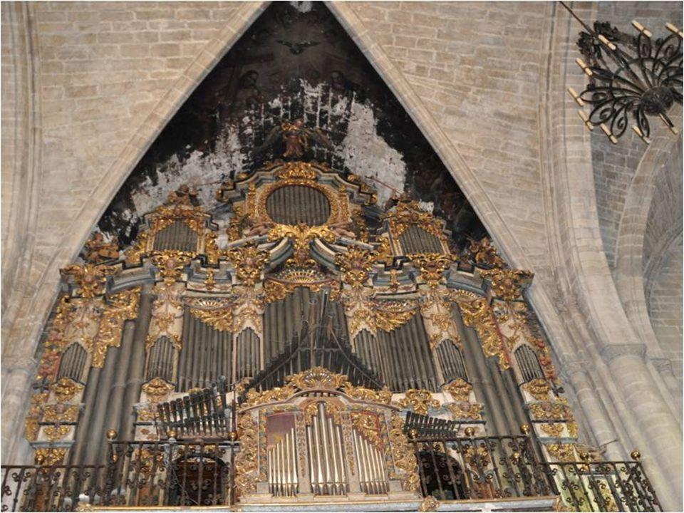 Il sagit dun orgue historique Il sagit dun orgue historique Dans un buffet gothique Dans un buffet gothique (fin XVème siècle) avec un (fin XVème sièc