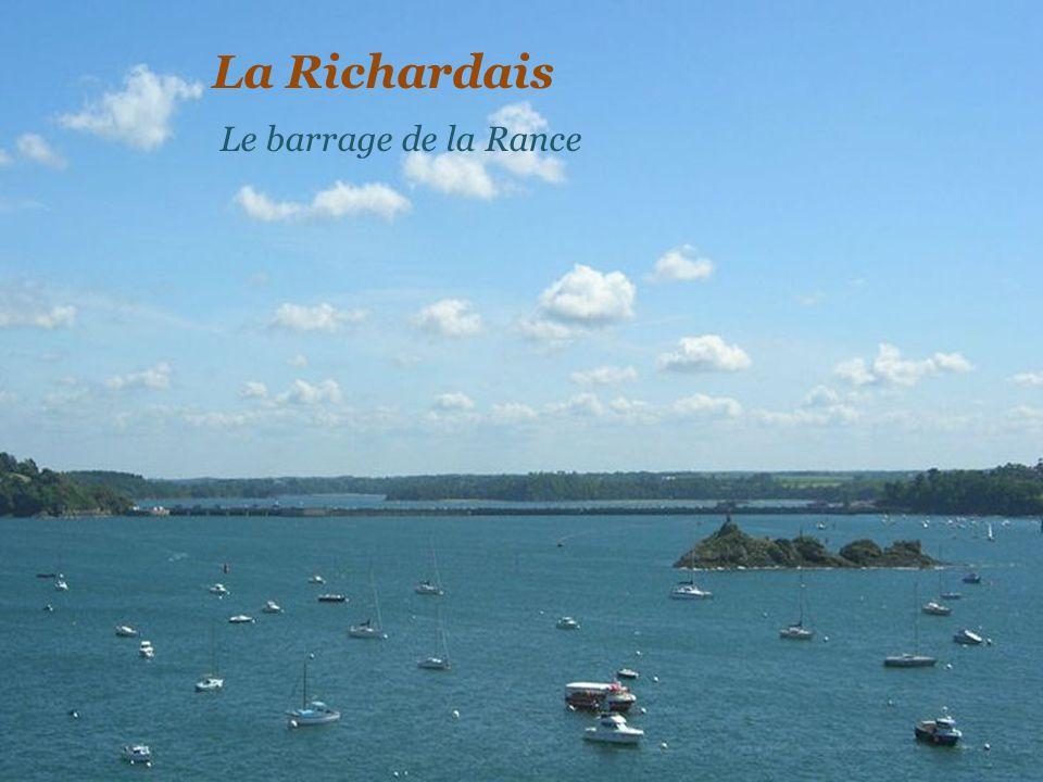 Le barrage de lusine marémotrice de la Rance La Richardais