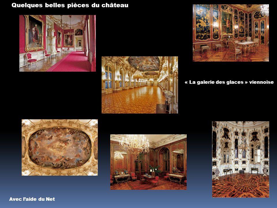 Le château de Schönbrunn Côté jardin Arcade néoclassique de la Gloriette Les jardins