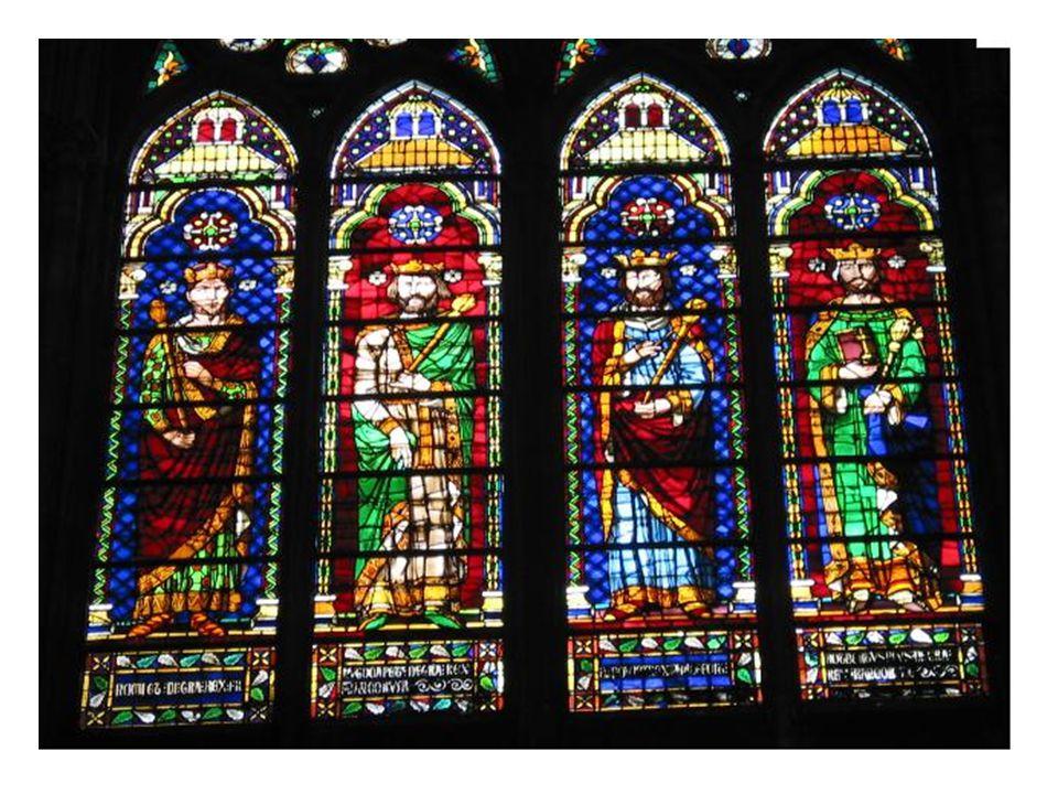 Il sagit ici de vitraux de labbaye de St Denis.