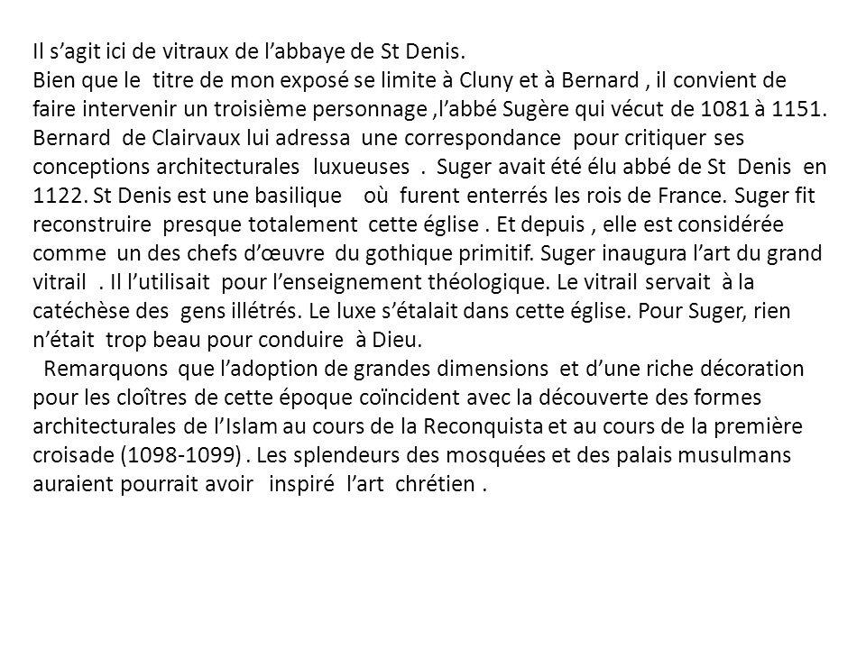 En 1098 existait une nouvelle abbaye, au sud de Dijon, près de Tonnerre, dans un lieu boisé et marécageux, où poussaient abondamment des joncs.Or le mot jonc se disait en vieux français « cistels », cest pourquoi la nouvelle abbaye prit rapidement le nom de Citeaux.