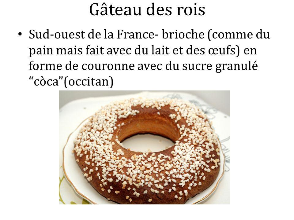 Gâteau des rois Sud-ouest de la France- brioche (comme du pain mais fait avec du lait et des œufs) en forme de couronne avec du sucre granulé còca(occ
