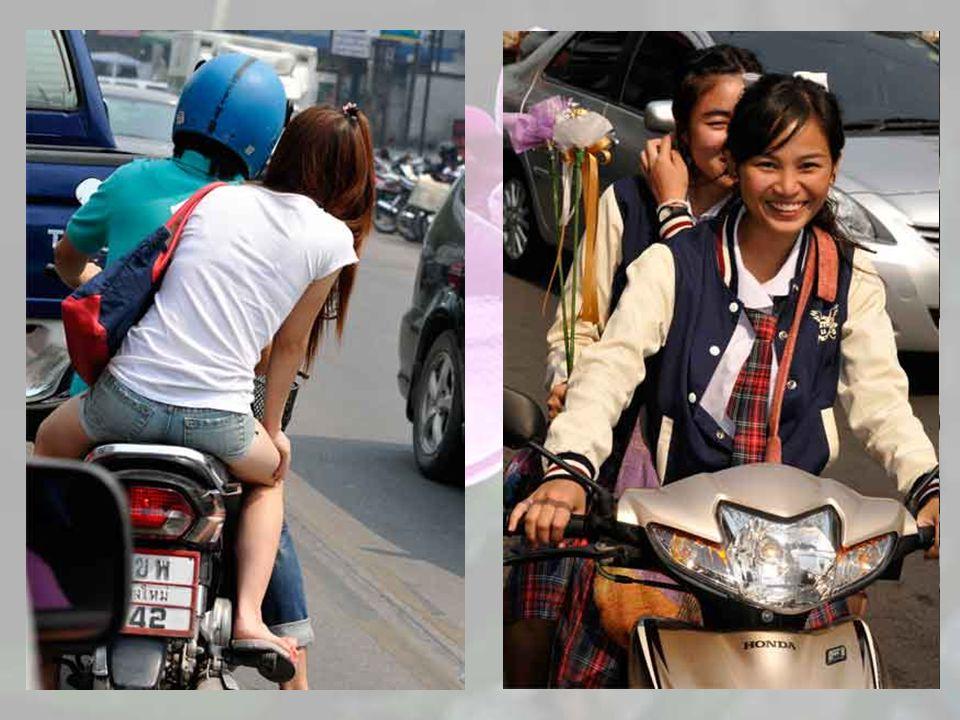 Les Thaïlandais sont « une culture à deux roues ». Bicyclettes, motos et scooters sont partout…