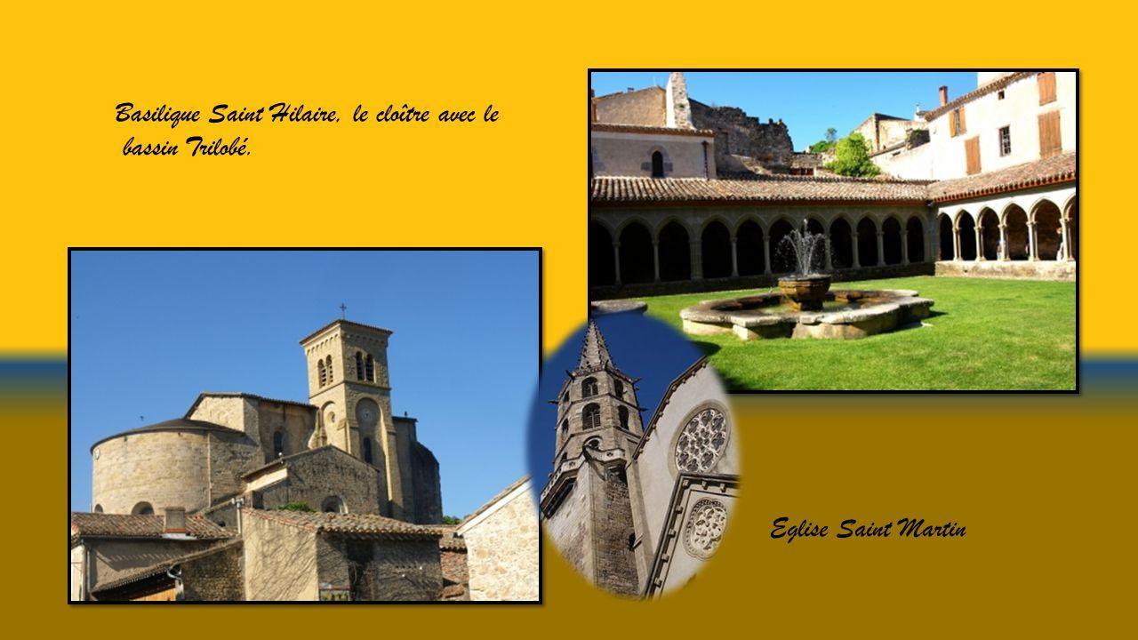 le Pont Neuf Hôtels particuliers, maisons à colombages et ouvrages médiévaux.