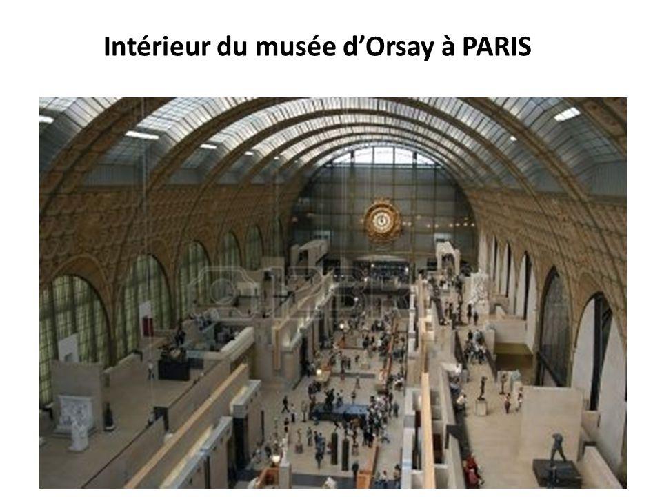 Intérieur du musée dOrsay à PARIS