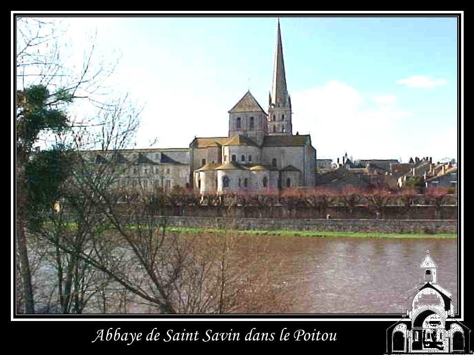 Abbaye de Lagrasse dans lAude