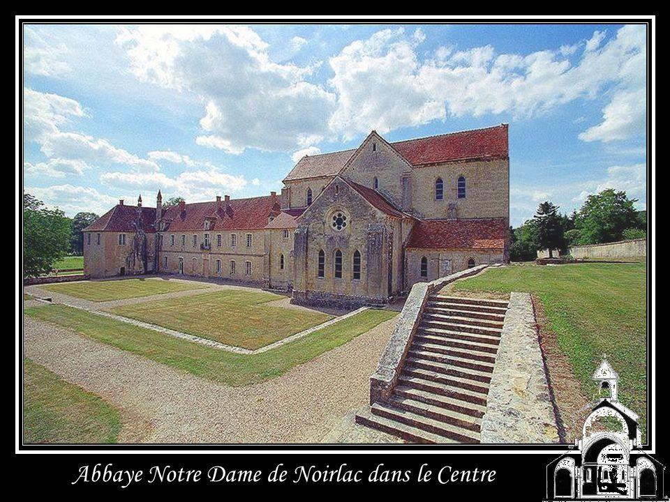 Abbaye dEn Calcat en Midi Pyrénées