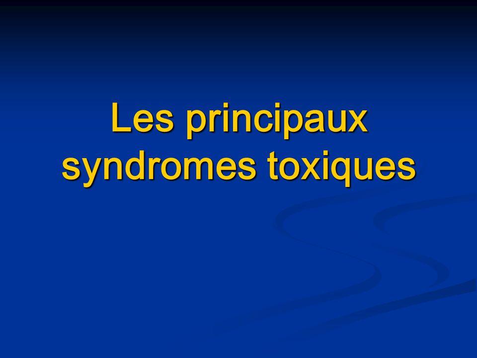 Syndrome cholinergique Effets muscariniques Effets muscariniques : - - nausées, vomissements, douleurs abdominales, diarrhées - - hyper salivation, hypersudation - - incontinence urinaire et fécale - - myosis - - bradycardie, hypotension, bronchospasme Effets nicotiniques Effets nicotiniques : - - fasciculations musculaires, crampes puis paralysie - - tachycardie, hypertension Effets centraux Effets centraux : - - délire, anxiété, confusion - - agitation, tremblements, convulsions, coma - - paralysie des centres respiratoires champignons, insecticides, carbamates… Traitement