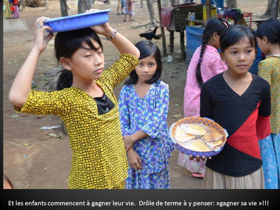 Dans la région de Chau-Doc au Sud-Vietnam, à la frontière du Cambodge les chams constituent une minorité musulmane, mais les 2/3 de lethnie hors Vietn