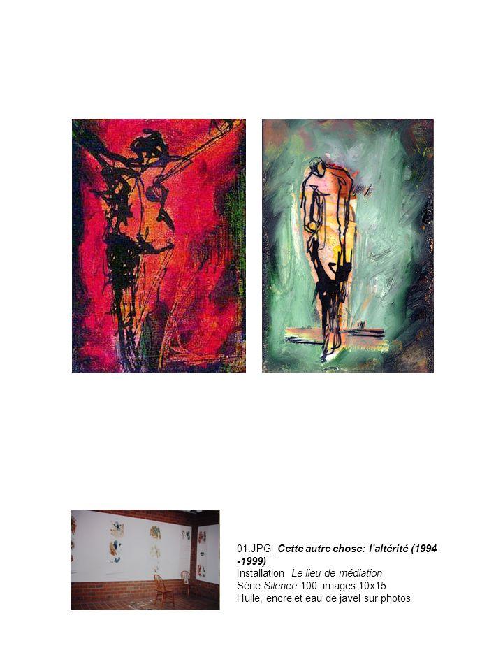 01.JPG_Cette autre chose: laltérité (1994 -1999) Installation Le lieu de médiation Série Silence 100 images 10x15 Huile, encre et eau de javel sur pho