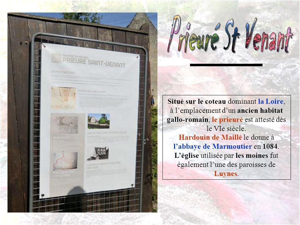 Situé sur le coteau dominant la Loire, à lemplacement dun ancien habitat gallo-romain, le prieuré est attesté dès le VIe siècle.