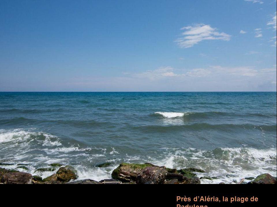 En Corse du Sud, le massif des Bavella dans les nuages