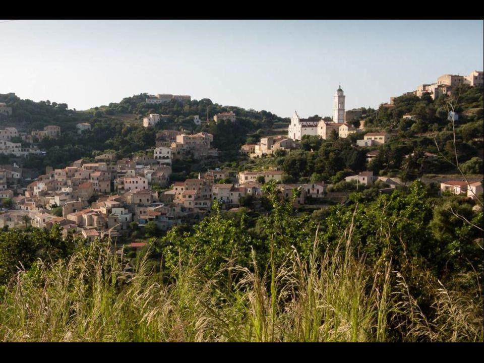 Dominant litinéraire Lile Rousse-Calvi, les villages perchés de la Balagne