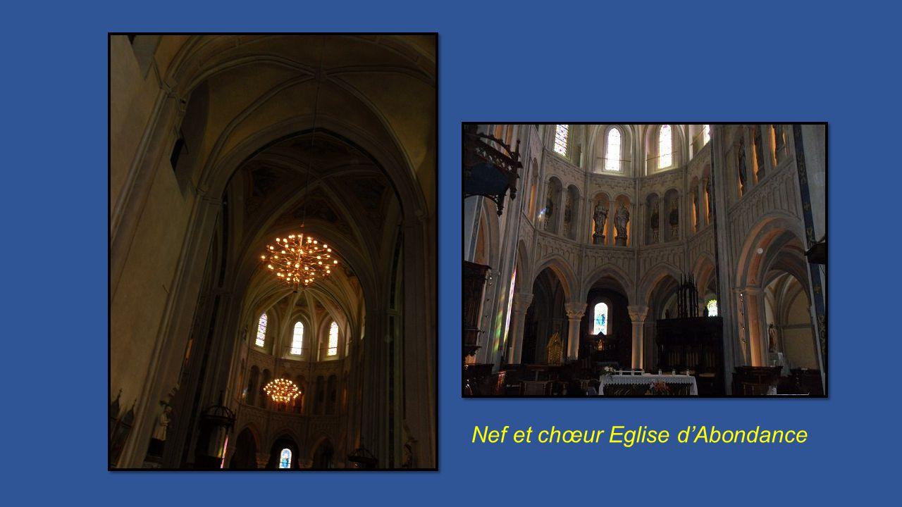 Nef et chœur Eglise dAbondance