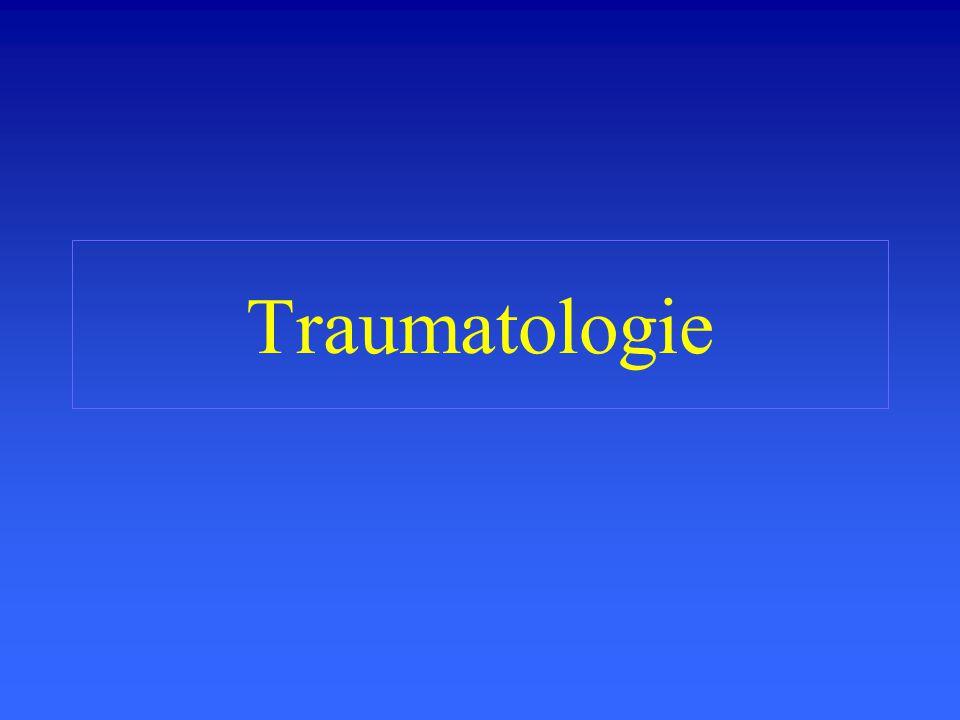 Fractures de fatigue Pathologie fréquente du sportif Manifestation douloureuse dhoraire mécanique ou mixte Apparition retardée des signes radiologiques (10 -15 jours) Intérêt limité du scanner IRM et scintigraphie parlantes dès le début des symptômes.