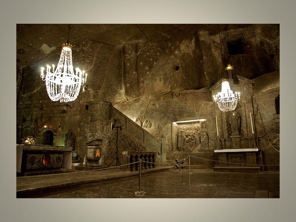 Vue de lextérieur, la mine de sel de Wieliczka na rien de particulier. Elle semble très bien tenue pour un endroit où il ny a pas eu dexploitation de