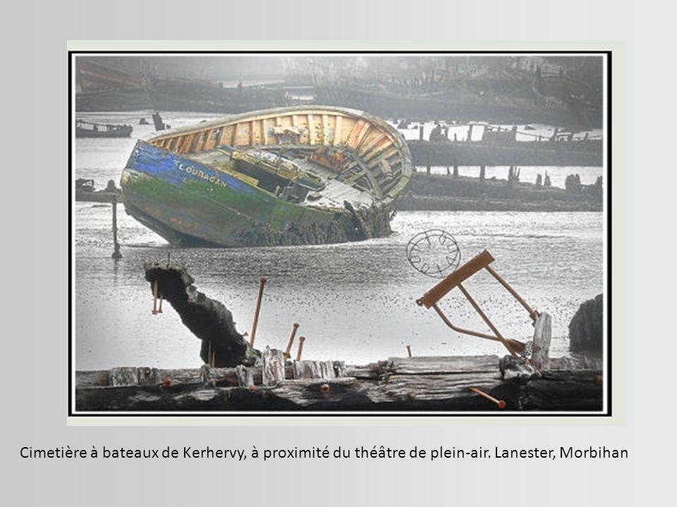L épave amoureuse En se disloquant, elle devient romantique... Pont-Aven, Finistère