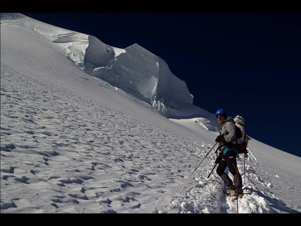 Refuge des Cosmiques et le Mont Blanc du Tacul