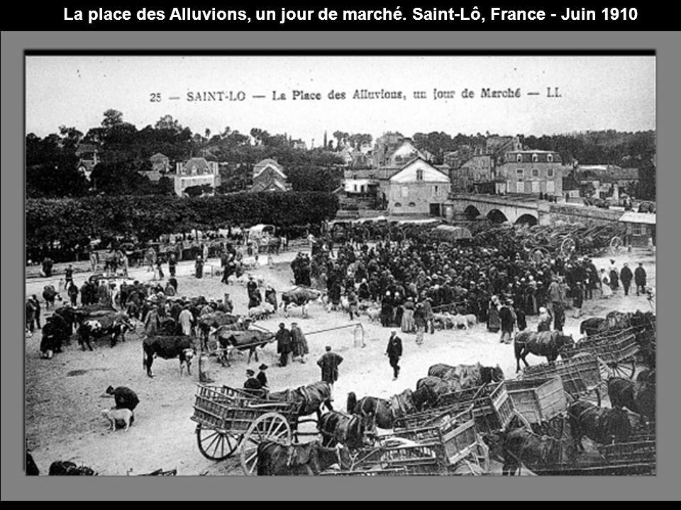 Photo prise à la Foire du Trône, place de la Nation. Paris, France - Avril 1910