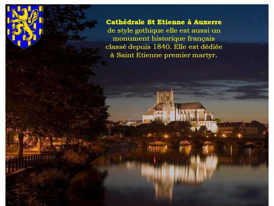 La Porte-Horloge, d Auxerre, un joyau de notre patrimoine…