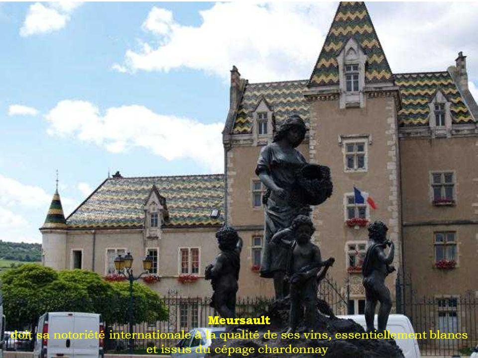 Semur-en-Auxois lieu d habitation séculaire, la légende raconte que Semur fut bâtie par Hercule lors de son retour d Espagne.