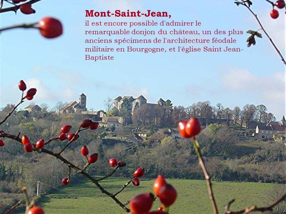 Monceau- Echarnant, le moulin à vent, la plus célèbre curiosité, récemment restauré en 2008.
