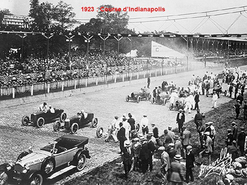 Après-guerre, plusieurs Grands Prix automobiles sont disputés en France, comme ici à Lille.