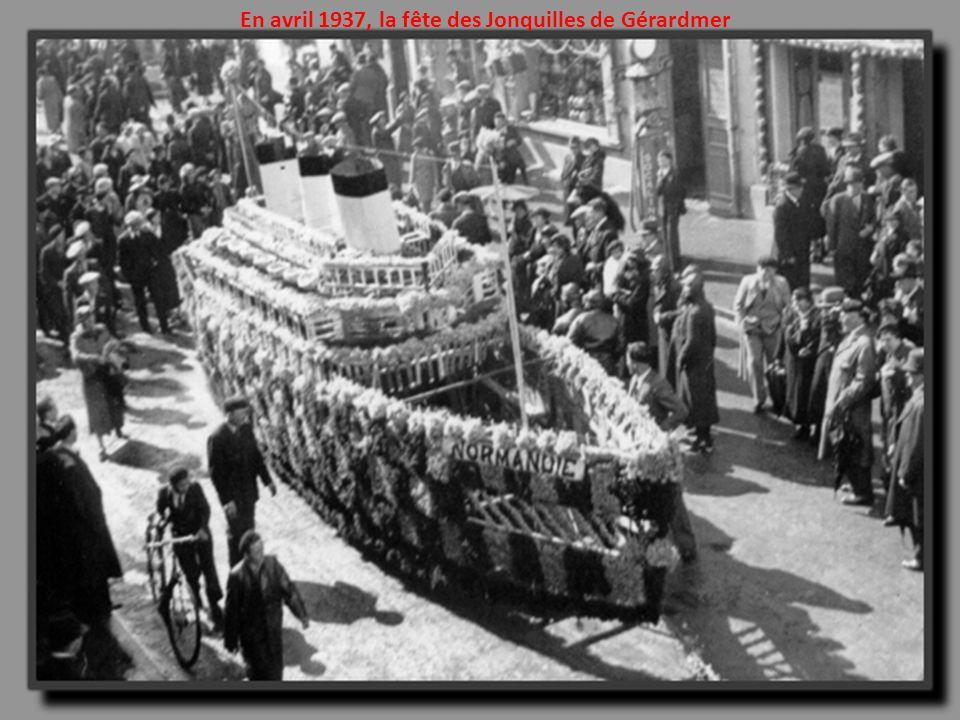 Charles Lindbergh pose son Spirit of St. Louis à Paris le 21 Mai 1927: traversée de lAtlantique réussie !