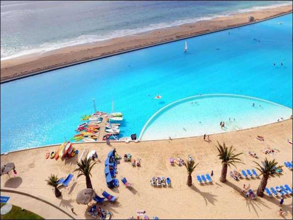Cette piscine, située à Bruxelles en Belgique, est la plus profonde du monde.