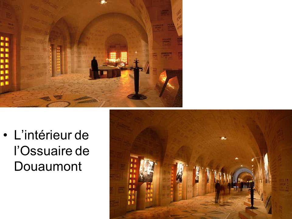 A la mémoire des Combattants Ossuaire De Douaumont
