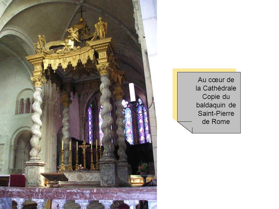 La Cathédrale de Verdun a vu le jour en 990 sous l'impulsion de l'Evêque Heimon. Elle a été construite selon le plan roman- rhénan, type parfait de la