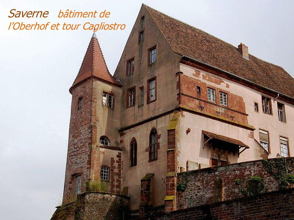 Saverne les châteaux. Le Haut-Barr avec Grand et Petit Gerolseck