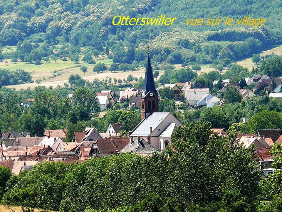 Neuwiller-lès-Saverne. abbatiale St-Pierre &. St-Paul
