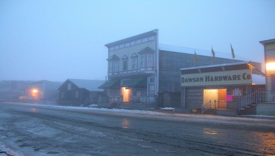 7. Snag, Yukon, Canada: -64º C La population de Snag, au Yukon, ne comprend que 10 natifs et un groupe de scientifiques et météorologues. Le village e