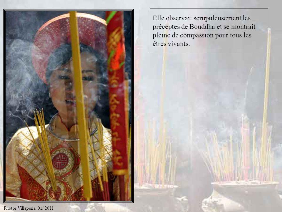 Et bien voilà… Il était une fois une jeune femme très pieuse du nom de Thi Kinh. Photos Villaperla 01/ 2011