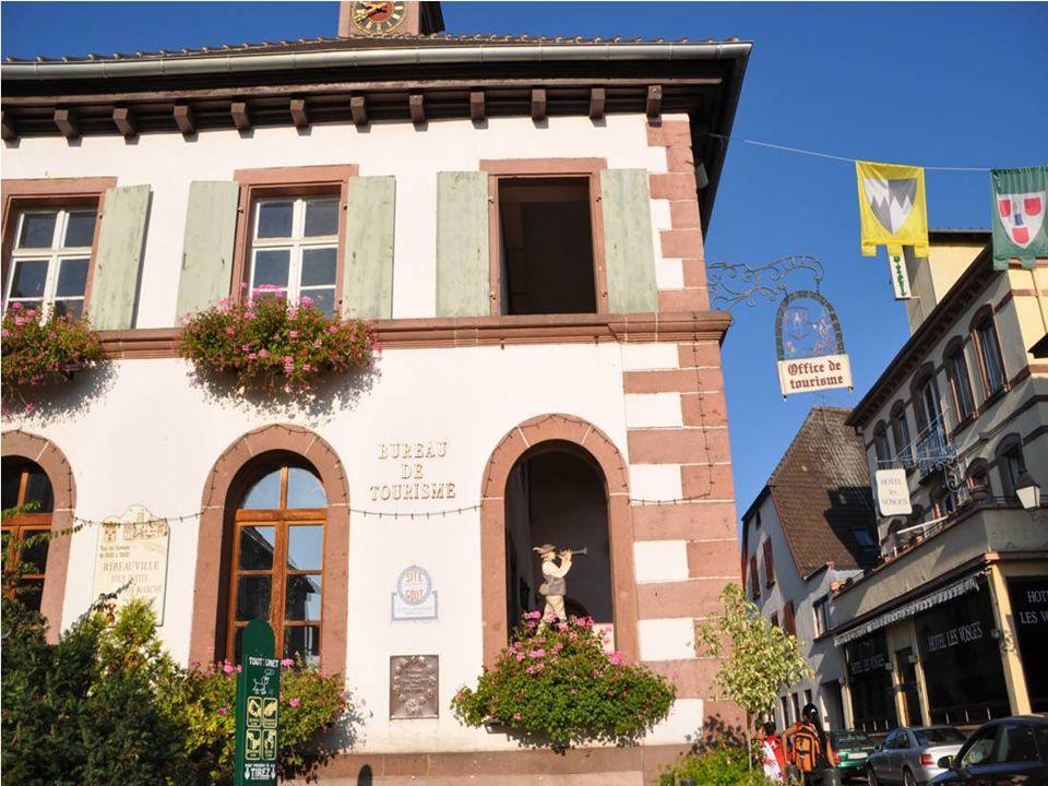 Blottie au pied du massif du Taemchel Au cœur du vignoble alsacien entre Stasbourg et Mulhouse Ribeauvillé est une cité Agricole au charme médiéval